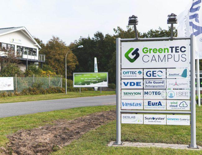 20201019+I+GreenTEC+Campus+I+Schild+I+©storyfischer-10 (1) (1)